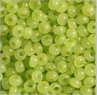 Бисер №02153, №10, Preciosa (Чехия), светло-салатовый алебастровый