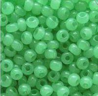 Бисер №02161, №10, Preciosa (Чехия), светло-зеленый алебастровый