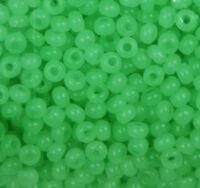 Бисер №02261, №10, Preciosa (Чехия), светло-зеленый, алебастровый, непрозрачный