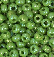 Бисер №54230, №10, Preciosa (Чехия), зелёный радужный перламутровый, непрозрачный