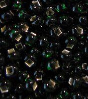 Бисер №57150, №10, Preciosa (Чехия),тёмно-зелёный блестящий, полупрозрачный