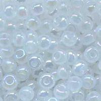 Бисер №57205, №10, Preciosa (Чехия), бледно-белый перламутровый, полупрозрачный