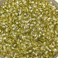 Бисер №78153, №10, Preciosa (Чехия), светло-салатовый блестящий, прозрачный